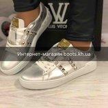 37 размер Стильные кожаные кеды в стиле Valentino серебро натуральная кожа