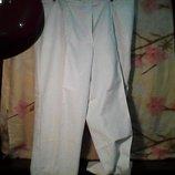 Женские белые классные брюки в отличном состоянии размер 52