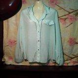 Женская блуза с длинным рукавом салатового цвета в хорошем состоянии б-у.Размер52.
