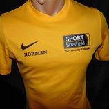 Спортивная фирменная футболка Nike. s-m