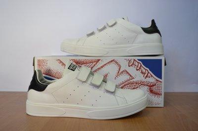 Белые кроссовки Adidas Smith.размеры с 36 по 45.
