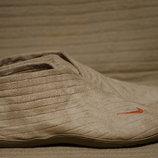 Очень оригинальные высокие велюровые сникерсы песочного цвета Nike 38 1/2 р.