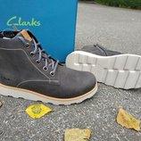 Новые кожаные демисезонные ботинки Clarks. разм.32