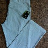 Летние белые мужские брюки NIKE.