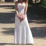 Свадебное платье, Италия, шикарное кружево, обшитое бисером, открытые плечи