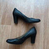 Туфли. кожа р.39.caprice.