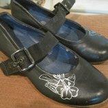 Туфли девичьи 34 размера можно в школу
