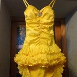 Нарядное желтое платье с брошкой для праздника вечернее, коктейльное для дня рождения, выпускного