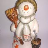 Коллекционная фарфоровая фигурка декор статуэтка снеговик снеговичек фарфор дед мороз новый год