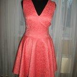 Шикарное розовое платье mohito с розами