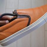 Слипоны AM Shoe из натуральной рыжей кожи.