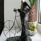Статуэтка Мужчина и велосипед.