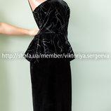 Безумно красивое бархатное платье миди двойные бретели, баска