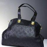 сумка с тиснением Louis Vuitton идеальное сост