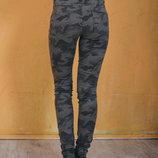 В наличии Классные джинсы шикарное качество,отлично обтягивают