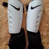 Щитки оригинал Nike
