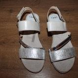 Стильные босоножки сандалии эспадрильи CAPRICE