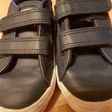 фирменные кроссовочки Lacoste