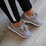 Комфортные кроссовки