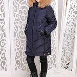 Практичная удлиненная зимняя куртка с мехом песца для девочек 128-158р