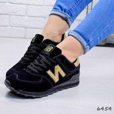 Женские черные кроссовки New Balance замшевые