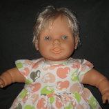 большая мимическая кукла Famosa