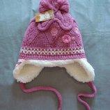 Очень теплая зимняя шапочка с цветочками