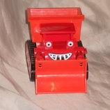 шикарная игрушка красный автомобиль-бульдозер из серии машины-помощники Chapman Англия оригинал