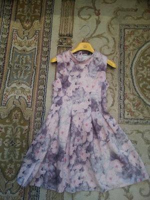 Роскошнейшее платье на леди Цветы 122-128-134
