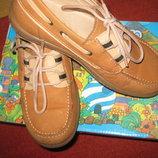Кожаные фирменные туфли Crio's , Испания