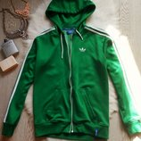 Зеленая с белыми полосами и надписями куртка олимпийка на молнии манжетах с капюшоном Adidas