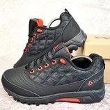 Зимние женские кроссовки Reebok black/red