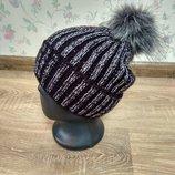 Стильная шапка на флисе для девушек