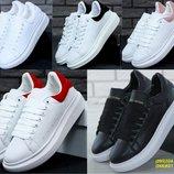 Женские кроссовки Alexander McQueen Oversized Sneakers White