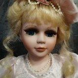 Фарфоровая коллекционная куколка, 40 см