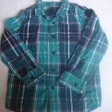 Фирменная качественная рубашка мальчику 5-6 лет хлопок новое состояние