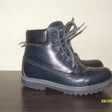 Продам демисезонные ботинки 32 размер