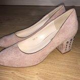 Красивые пудровые туфельки 38р.