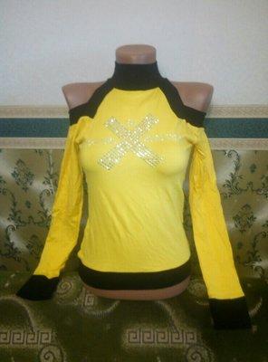 Модная женская яркая кофта джемпер с вырезами на плечах. Футболка желтая с длинным рукавом. Турция