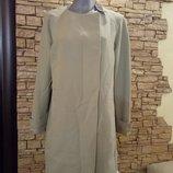 Легкое пальто нежно-оливкового цвета,48-50р