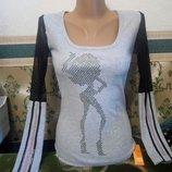 Женская кофточка джемпер. Свитер серый с длинным рукавом украшенный камушками и лампасами