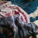 Акция цена снижена Кожаные ботинки деми с фабричный потертостями