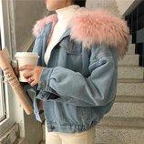 Джинсовая женская куртка с большим меховым капюшоном демисезон/еврозима