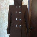 Пальто женское,коричневое.