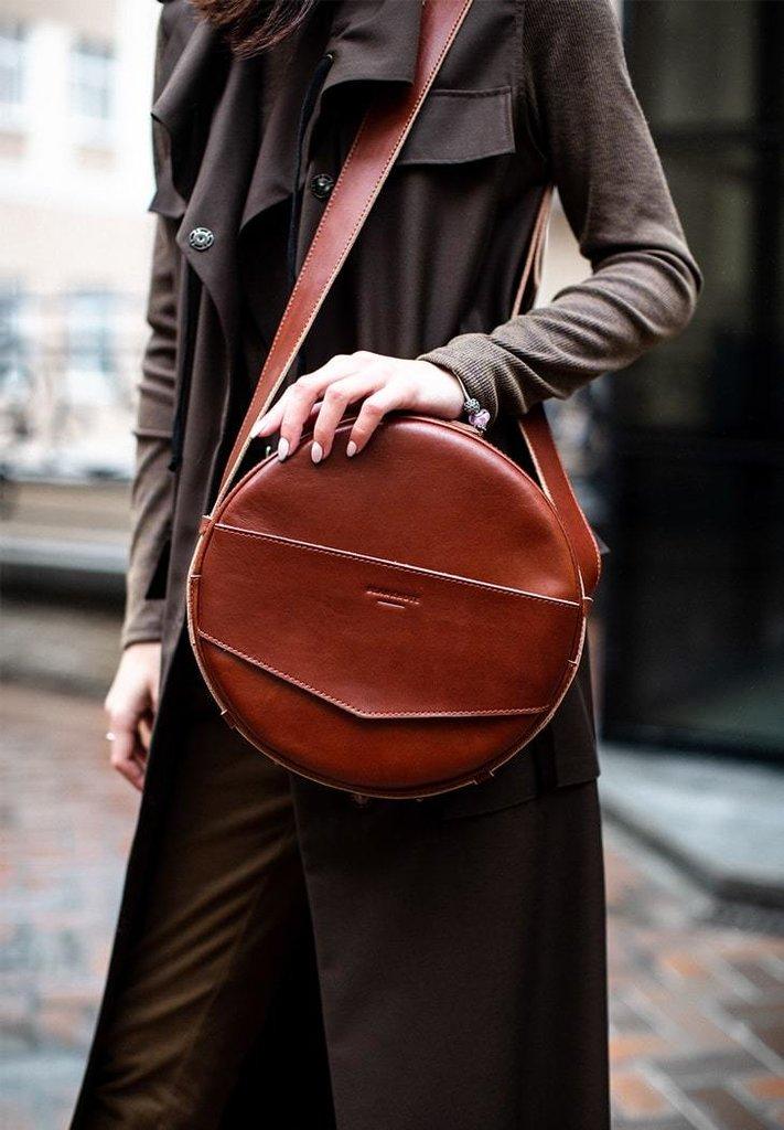 33869e0e30f8 Сумочка круглая, кроссбоди, рюкзак натуральная кожа женская коньячная ручная  работа : 3800 грн - сумки средних размеров в Одессе, объявление №18983937  ...