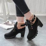 Элегантные утепленные женские ботинки на каблуке