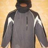Куртка с капюшоном 3в1 на рост 158-164 см.