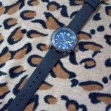 Масивний годинник Avon. Часы.