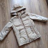 Золотистая перламутровая куртка на 6-7 лет теплая