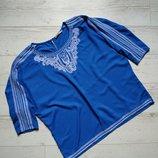 Блуза с вышивкой р. 48
